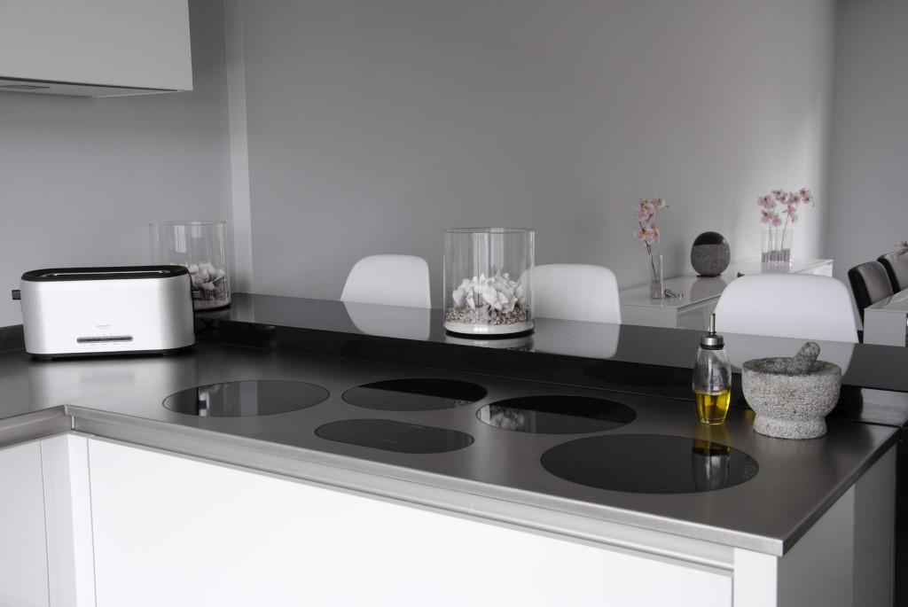 Moderne keuken met i-cooking in Hardinxveld-Giessendam - Keukenhof ...